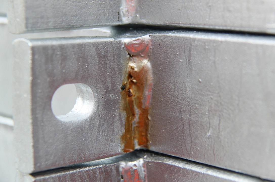 weld-seepage-staining hot dip galvanizing defects